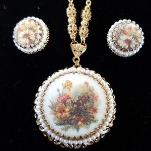 Jewelry - Fall, flower, vintage, necklace and earring set